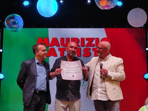 Premiazione dell'Accademia Diplomatica all'attore Maurizio Battista